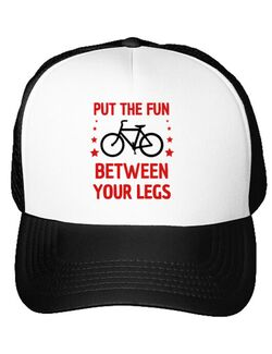 Sapca personalizata Put the fun Between your legs Alb
