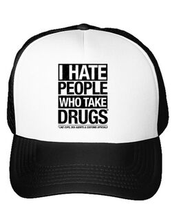 Sapca personalizata I hate people who take drugs Alb