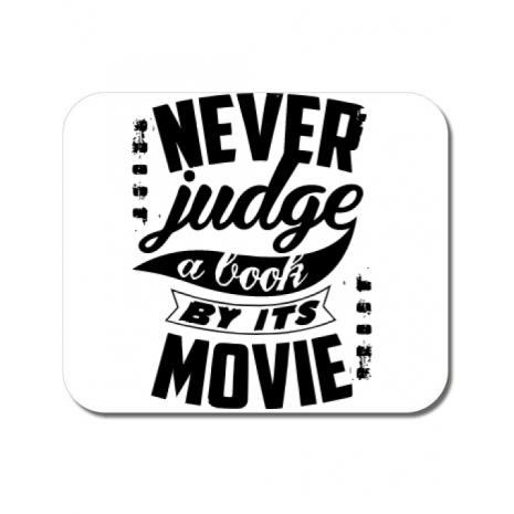 Mousepad personalizat Never judge a book Alb