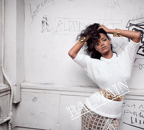 Rihanna pentru Balmain